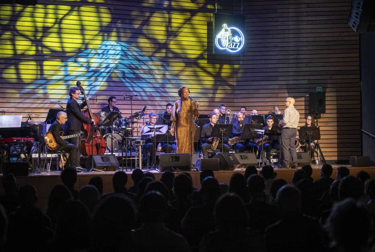 Quiana Lynell & Perinké Big Band