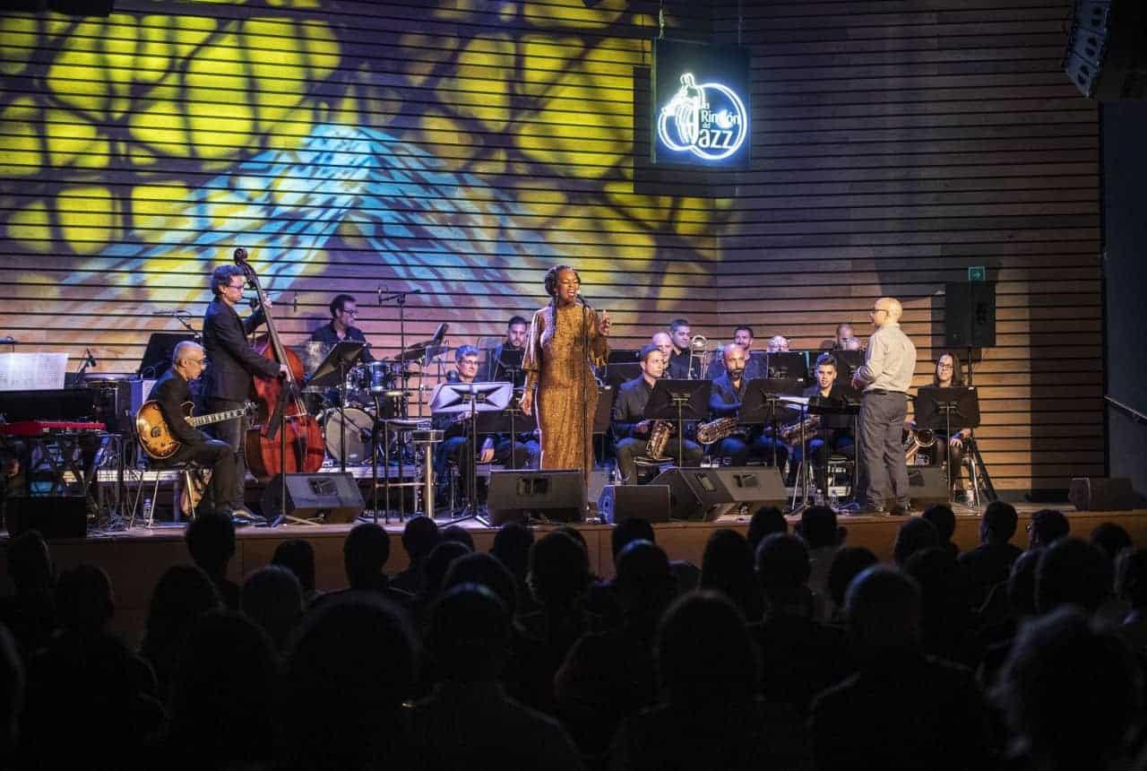 Quiana Lynell & Perinké Big Band