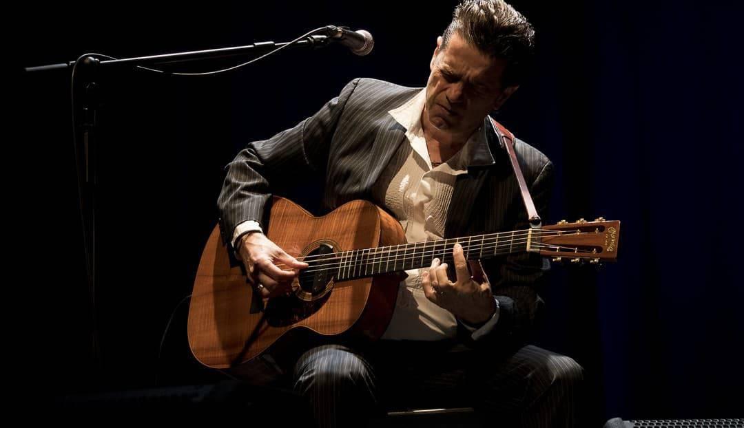 Juan Perro aplaza su concierto