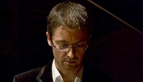 Imagen noticia - El pianista José Luis Castillo ofrece un repertorio de Bach en el Auditorio