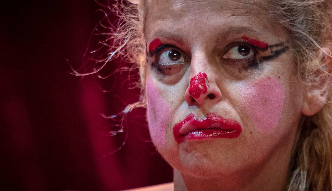 Suicidio de una actriz frustrada, lo último de Profetas de Mueble Bar